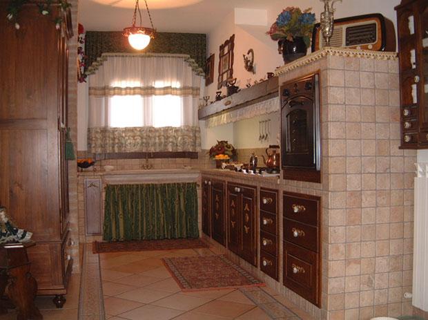 Lavori eseguiti domino uno - Cucina rustica in pietra ...